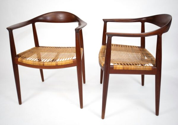 hans.wegner.chairs